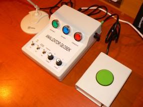 wibrator, stymulator logopedyczny aparaty dla jąkających się